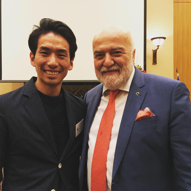 Renzo Molinari名誉学長と式典にて